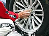 タイヤホイールの洗浄